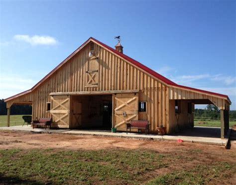 Best 25+ Horse Barn Designs Ideas On Pinterest