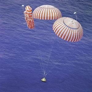 Apollo 15 Splashdown - Failed Parachute | National Air and ...