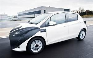 Essai Toyota Yaris : essai toyota yaris hybride 2012 l 39 automobile magazine ~ Medecine-chirurgie-esthetiques.com Avis de Voitures