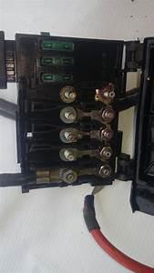 Caja De Fusibles Bateria Volkswagen Bira  Passat Jetta A6