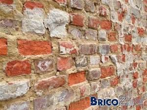 Proteger Le Bas Des Murs Exterieurs : peinture possible sur vieux mur brique ext rieur ~ Dode.kayakingforconservation.com Idées de Décoration