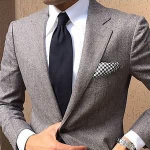 Tenue Blanche Homme : tenue blazer gris chemise de ville blanche cravate noire pochette de costume en pied de ~ Melissatoandfro.com Idées de Décoration
