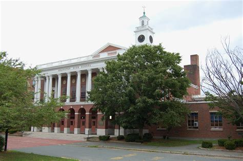Arlington High School (Massachusetts) - Wikipedia