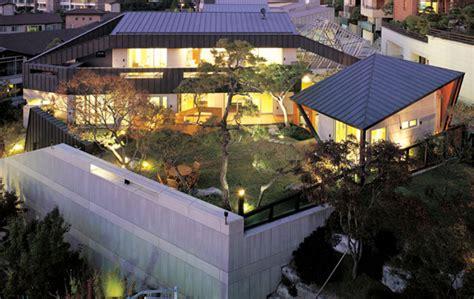 courtyard house designs urban home  natural oasis
