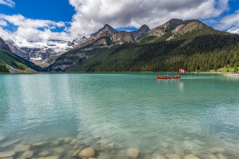 bureau louise banff lake louise tourism bureau alberta canada does