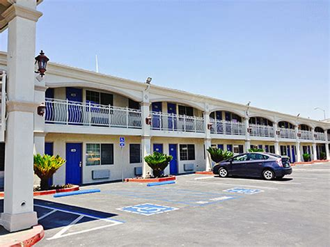 Grove Ca Motel 6 by 301 Moved Permanently