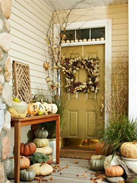 fall door decorating ideas more fall decorating ideas 19 pics
