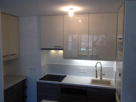 cuisine laqu馥 grise cuisine gris laqu ikea cuisine bois gris attractive cuisine bois gris clair 11 cuisine en bois laqu blanc et cuisine cuisine blanc et gris