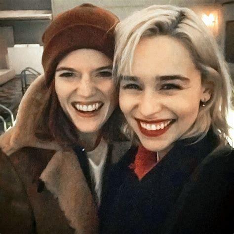 Alami Kejadian Unik saat Liburan, Emilia Clarke dan Rose ...