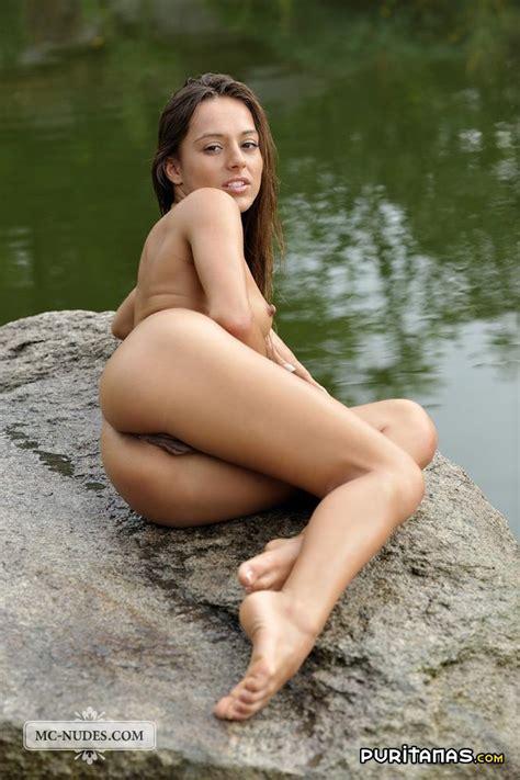 Desnuda Bajo La Lluvia Puritanas Com
