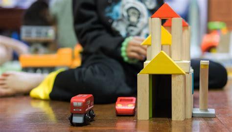 teacher sanctioned  stealing toys   hutt