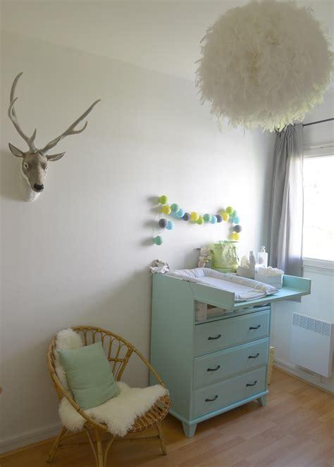 toile chambre bébé grande chambre de style scandinave chambre