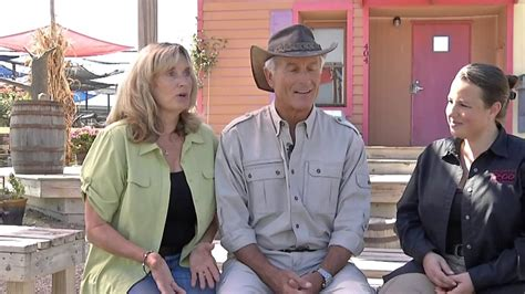 An In-Depth Look Into The Life Jack Hanna - YouTube