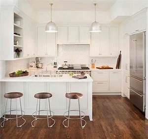 La cuisine en u avec bar voyez les dernieres tendances for Deco cuisine avec chaise blanche en bois