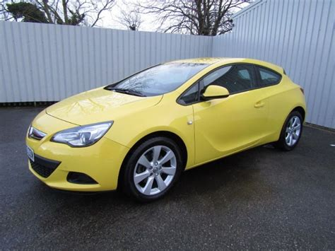 vauxhall yellow vauxhall astra gtc 2 0 sport cdti 3dr diesel yellow for