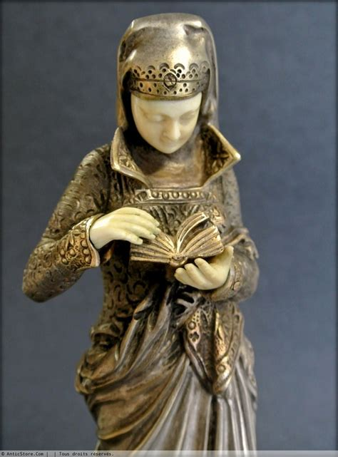 la liseuse statuette chryselephantine xxe siecle