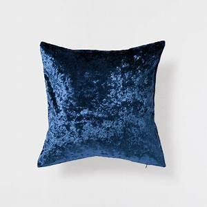 Coussin Bleu Pétrole : coussin velours uni bleu p trole coussins d coration zara home france chambre sindbad ~ Teatrodelosmanantiales.com Idées de Décoration