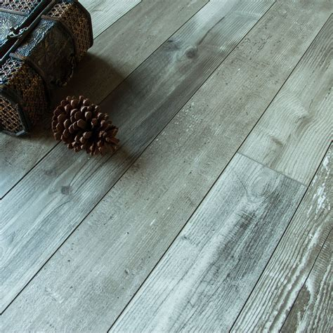 Imelda Driftwood pine effect Laminate flooring 1.216 m²