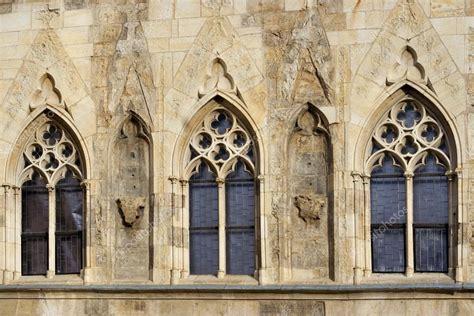 goticka okna stock fotografie  siloto