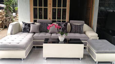 Pilihlah sofa dengan ukuran yang pas dengan ruangan tamu supaya tidak banyak memakan tempat. Video sofa minimalis tercantik thn 2020 - YouTube