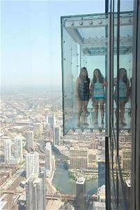 Glass floor at the Willis Tower - Picture of Skydeck ...