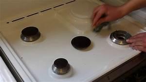 Nettoyer Plaque De Cuisson : comment bien nettoyer ses plaques de cuisson youtube ~ Melissatoandfro.com Idées de Décoration