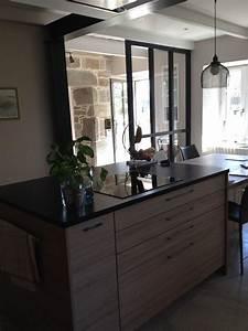 cuisine bois et granit noir cuve sous plan photo de cuisine schmidt saint malo am nagement
