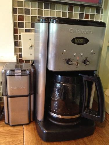 How to clean a coffee pot with vinegar. This Is How To Clean A Coffee Maker With Vinegar. Easy 2021