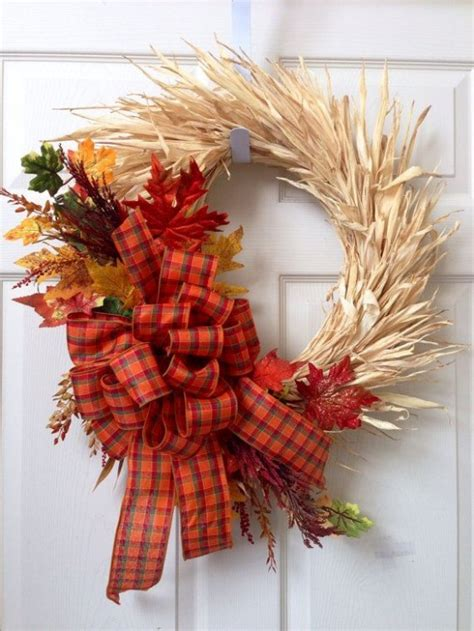 awesome fall wreaths  corn  corn husk digsdigs