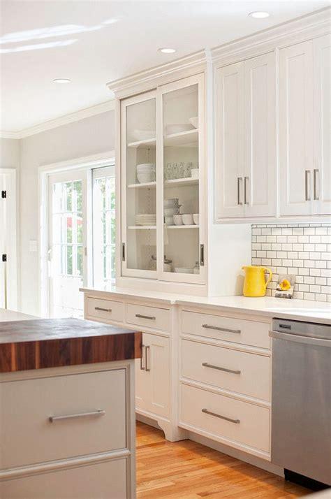 White Shaker Kitchen Cabinet Hardware Ideas