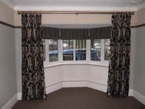 curtains  bay window