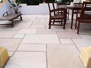 natursteinplatten stonenaturelle ag stilvolle natursteine With französischer balkon mit steine platten für den garten
