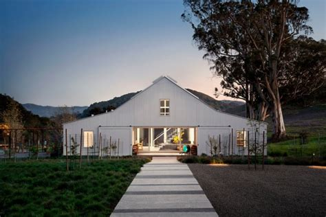aesthetic farmhouse exterior designs showing  luxury side   countryside