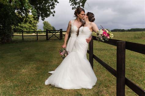 unique diy summer wedding  barford park barn wedding