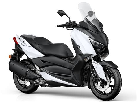 Xmax Image by 2017 Yamaha X Max 300 Scooter Launched In Europe Paul