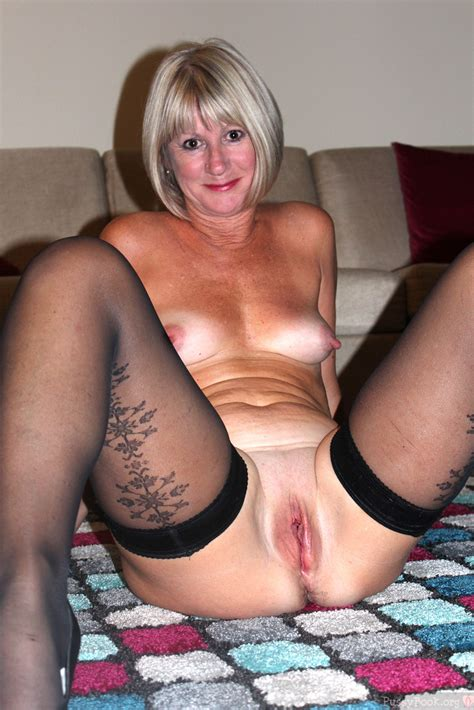 Ordinary Mature Wife Posing Bald Cunt And Boobs Pussy Pictures Asses Boobs Largest