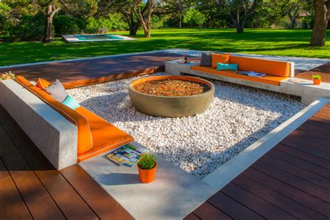 deciding  ipe deck design austin outdoor design