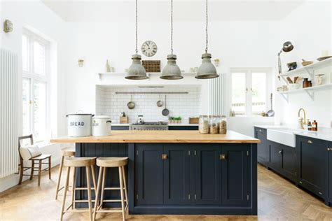kitchen cabinets and design why two toned kitchen cabinets rock a pop of pretty 5897