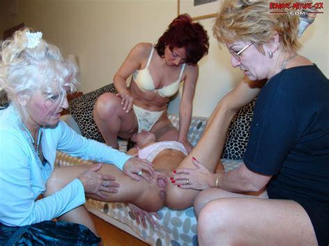 Lesbian Gangbang Granny Nu