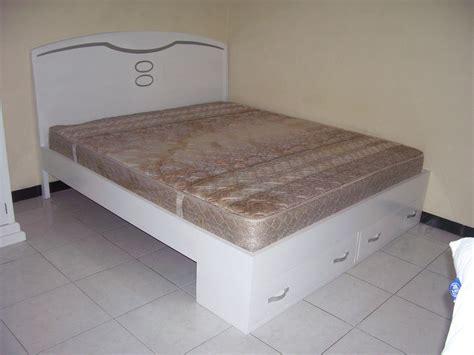 gambar tempat tidur kayu jati toko mebel jati jepara