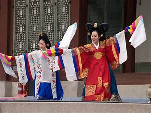 Korean dancers