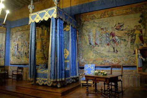 chambre d hote sully sur loire cour intérieure picture of chateau de sully sur loire