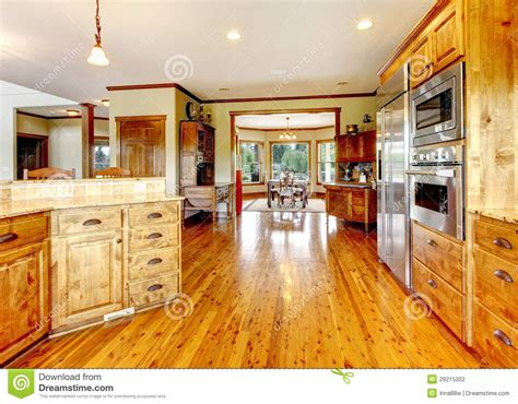 cuisine a la maison intérieur à la maison de luxe en bois de cuisine maison
