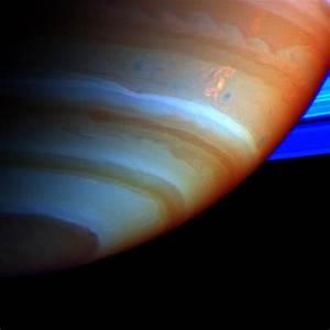 APOD: 2005 February 25 - Saturn's Dragon Storm
