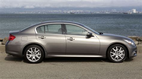 2011 Infiniti G37 Sedan Journey Review