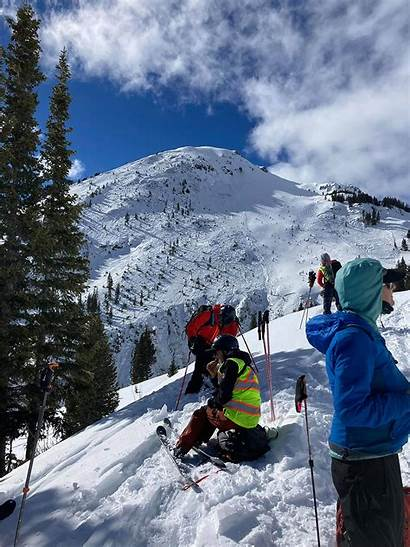 Avalanche Colorado Caught Skiers Getting Missing Zoom