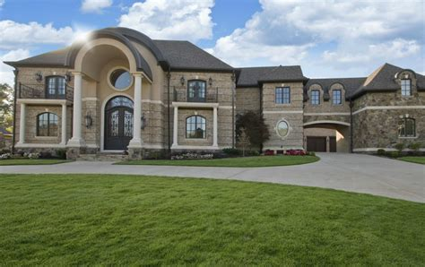 square foot brick stone mansion   rock