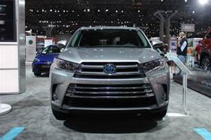 toyota rav4 milage 2017 toyota highlander hybrid to be offered in four trim levels live photos