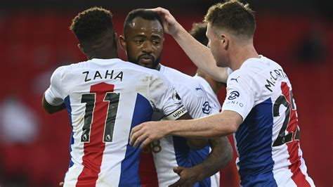 Sluggish Man United beaten 3-1 by Palace in 1st EPL game