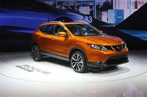 Video  Compact 2018 Nissan Rogue Sport Makes Official